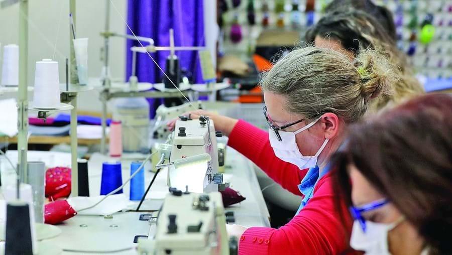 Empresas têm-se queixado das demoras e da burocracia no acesso aos créditos de apoios anunciados pelo Governo para responder aos efeitos da pandemia