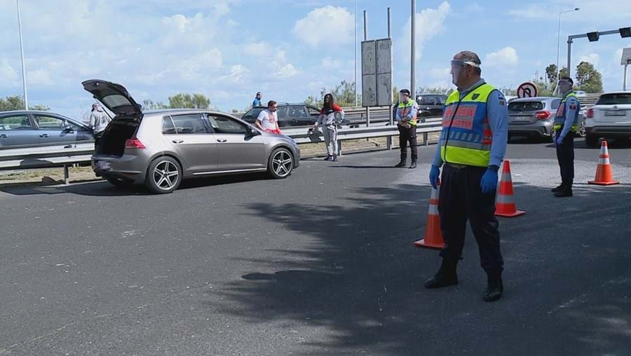 PSP revista carro na Ponte 25 de Abril e encontra elevada quantia de dinheiro