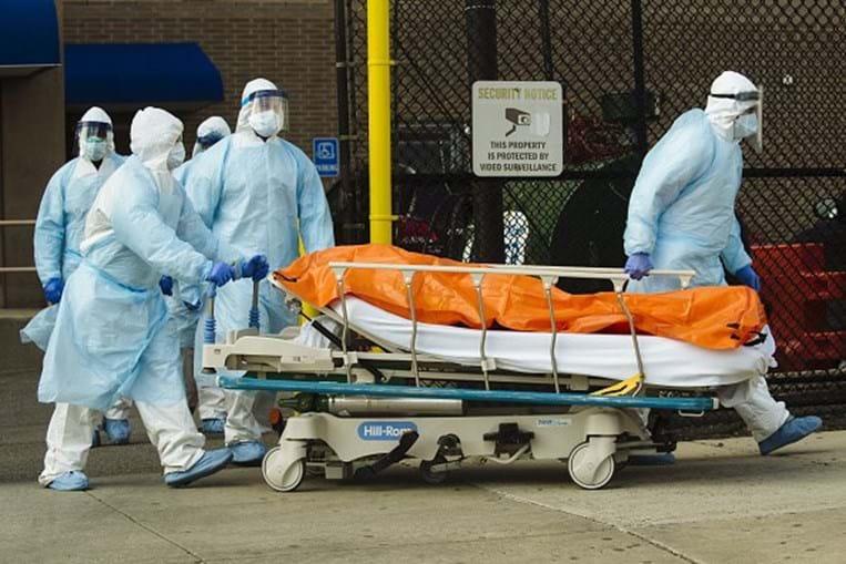 Estados Unidos registam recorde mundial diário de mortes por coronavírus