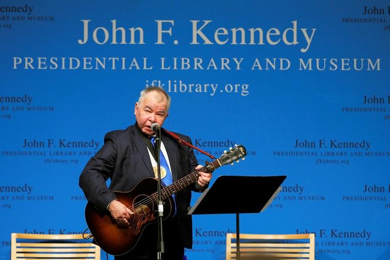 Músico folk John Prine