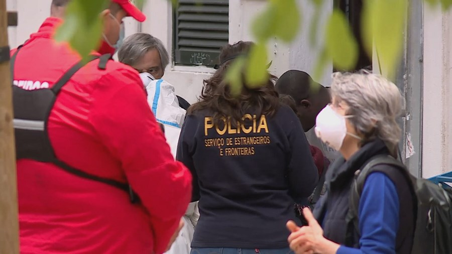 Autoridades fiscalizam pensão em Lisboa. 100 refugiados testados ao novo coronavírus