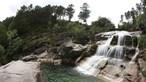 Resgatada mulher que caiu de uma altura de 10 metros em cascata na Serra do Gerês