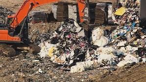 Aterro de Lousada recebe toneladas de lixo de Itália e há quem tema contaminação de coronavírus
