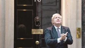 Médicos estiveram prontos para anunciar morte de Boris Johnson