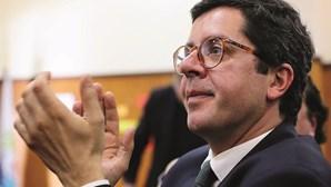 Secretário de Estado mete cunha para favorecer empresa do ex-sócio