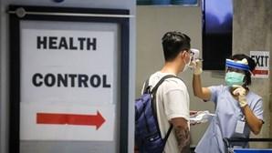 Macau negoceia com Honk Kong saída de estrangeiros devido ao coronavírus. Cinco são portugueses