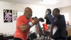 Mike Tyson continua em forma aos 53 anos e admite voltar a combater
