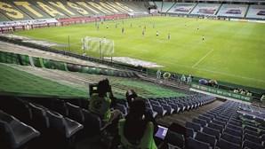 O 'novo futebol' já está em campo. As imagens do regresso da liga coreana