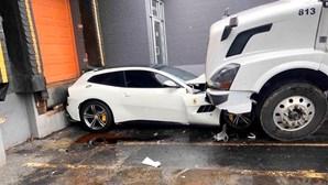Camionista destrói Ferrari de quase 300 mil euros para se vingar do patrão
