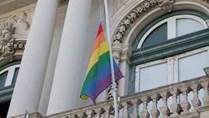 """BE entrega projeto de lei para proteger pessoas LGBTI de """"terapias"""" e cirurgias"""