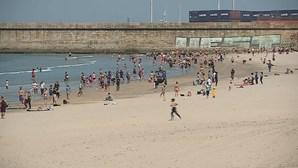 Praia de Matosinhos está interdita a banhos