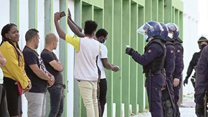 Polícias denunciam emboscadas em bairros