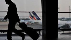 Troca de palavras quase provoca colisão entre aviões em aeroporto de França