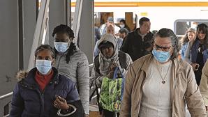 Passageiros dizem ser impossível cumprir distância social na Transtejo