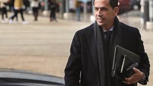 Pedro Proença coloca lugar de presidente da Liga à disposição