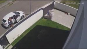 Casal apanhado por câmaras de vigilância a assaltar carro em Ovar