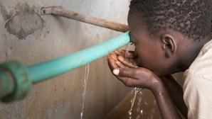 20 mil deslocados em Moçambique vão ter água potável até finais de maio, garante Governo