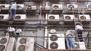 Grupos ambientais e industriais pedem proibição de materiais superpoluentes em aparelhos de ar condicionado