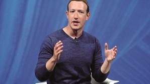 Mark Zuckerberg sobe ao pódio dos mais ricos