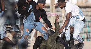 Cena de pancadaria envolveu cerca de 20 jovens na Praia de Carcavelos