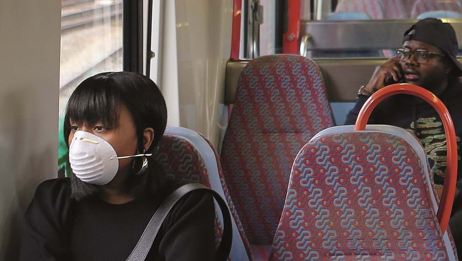 Uso de máscara nos transportes é, a partir de hoje, obrigatório