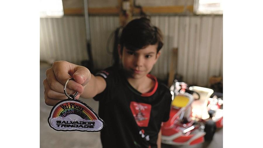 Salvador Trindade, de 11 anos, é um craque nos karts.
