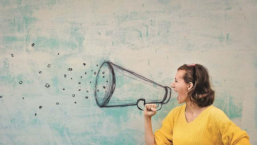Estudo conclui que a força da voz conta na propagação do vírus