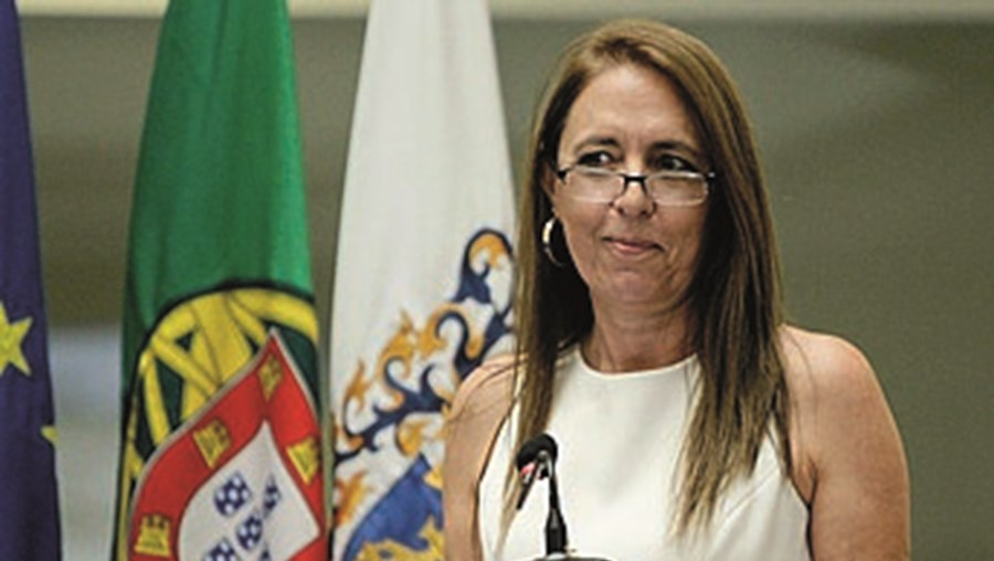 Cristina Gatões dirige o SEF