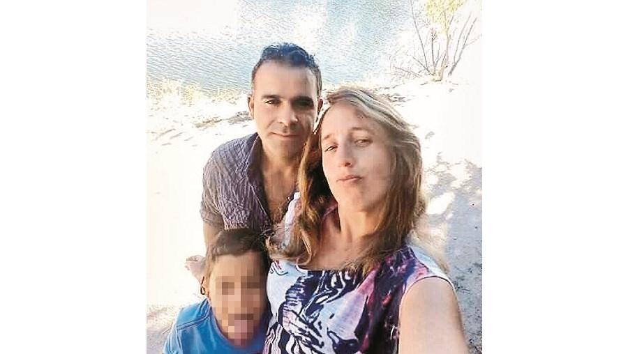 Lilian com Carlos e o filho