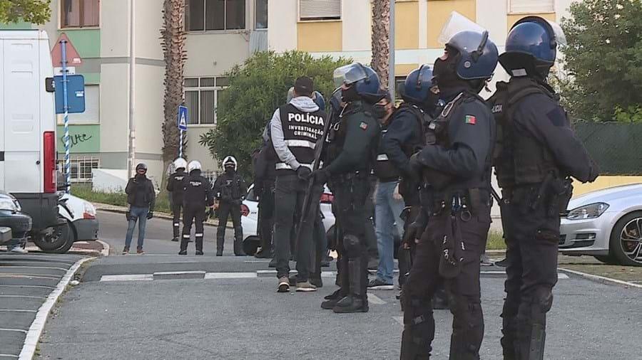 PSP mobiliza operação musculada após alerta de emboscada no seguimento de confrontos em Oeiras
