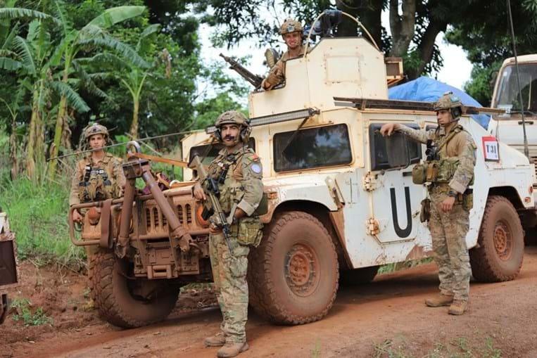 Paraquedistas portugueses patrulham cidade na República Centro-Africana