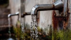 Água canalizada em casa só chega a um terço dos angolanos