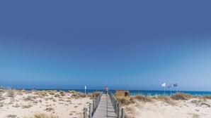 Praias paradisíacas e afastadas das multidões para aproveitar o verão que chega já no fim de semana