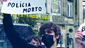 Cartaz de ódio contra polícia trama jovem