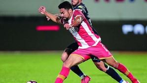 Luquinhas 'preso' pelo Benfica