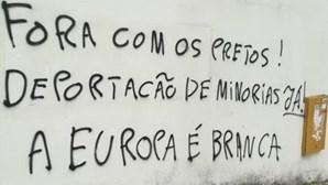 Escolas e centros de refugiados em Lisboa vandalizados com frases racistas