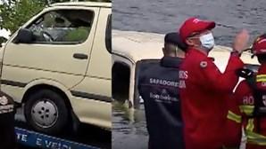Carrinha roubada atirada ao rio Douro em Valbom