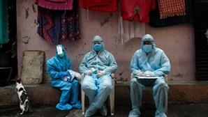 Índia regista recorde de casos de Covid-19 com mais de 38 mil infeções em 24 horas