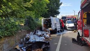 Três feridos em colisão em Vila Nova de Gaia