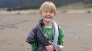 Pai e madrasta matam criança de 11 anos ao forçá-la a ingerir grandes quantidades de água