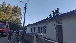 Cinco pessoas desalojadas num incêndio habitacional em Gaia