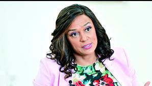 """Isabel dos Santos diz que mandado de captura """"é injustificado"""""""