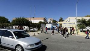 Escola Secundária em Massamá com três casos positivos de coronavírus