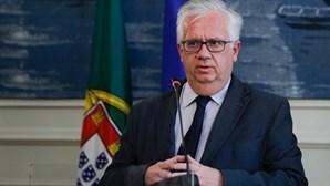 Ministro Eduardo Cabrita manifesta pesar pela morte de bombeiro em ações de vigilância em Leiria