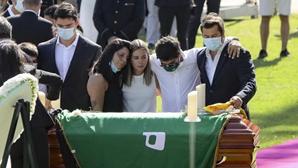 Familiares e amigos reúnem-se para um último adeus emocionado a Pedro Lima. Veja as imagens