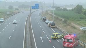 Acidente entre três carros faz dois feridos graves na A28 em Esposende