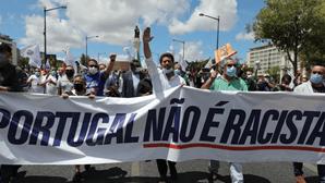 """""""Domínio da esquerda está a acabar"""": André Ventura junta centenas de pessoas pelo Chega em Lisboa"""