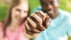 Dizer não ao racismo ainda é controverso na comunidade portuguesa nos EUA, diz associação