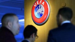 Quatro portugueses entre os nomeados para equipa do ano da UEFA