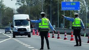 Espanha corta festa para reabrir fronteira